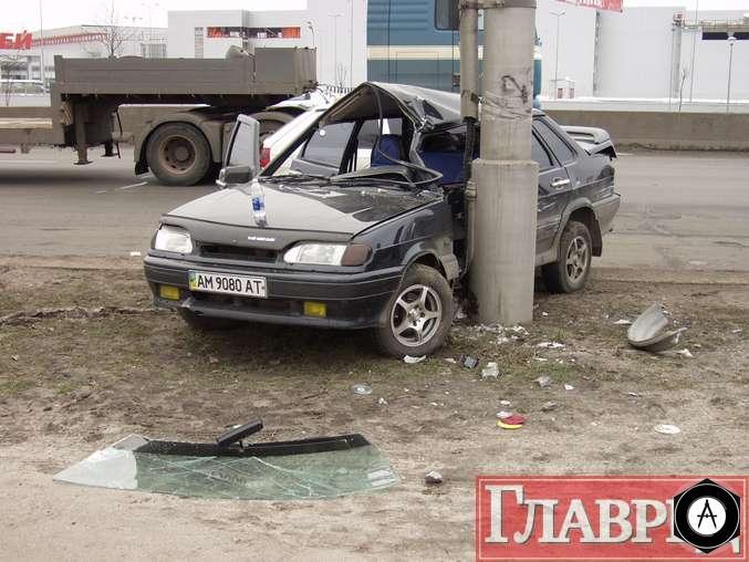 Авария ВАЗ 2115 в Киеве