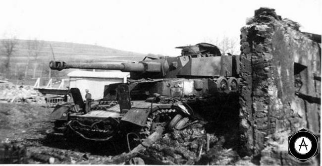 Pz-IVG уничтожен в засаде 1944