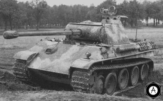 T-V Pantera с прибором ночного видения 1945 Балатон