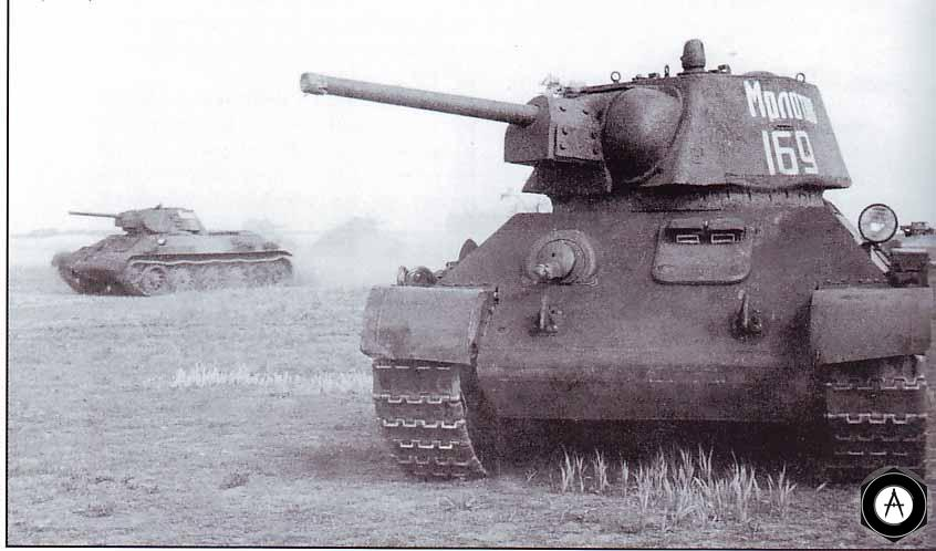 атакуют Т-34 1942
