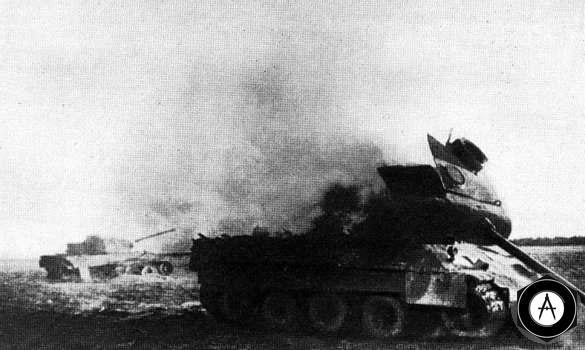 Горят фашистские танки Пантера