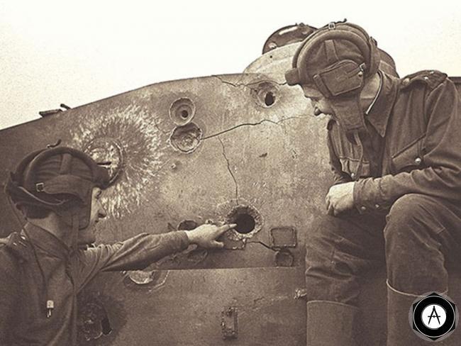 поражение башни Pz-V Пантера бронебойными и подкалиберными снарядами