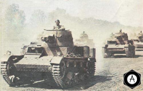 французские танки на марше 1940