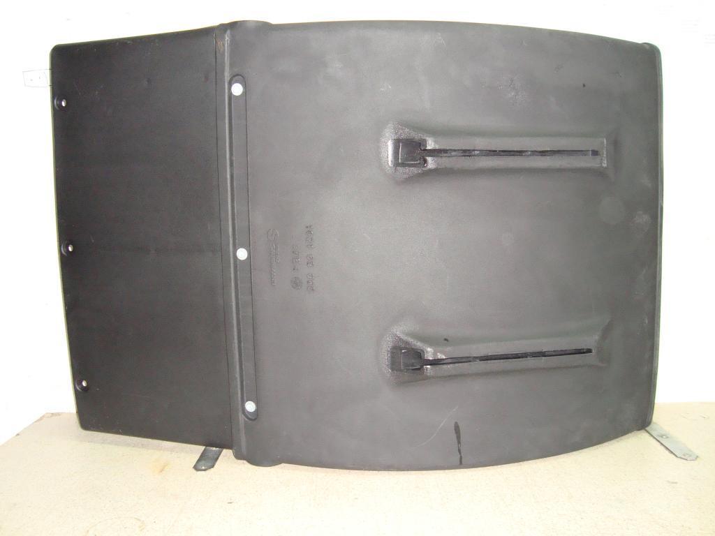 Крыло четверть B690 R660 без монтажных проушин с брызговиком в сборе (102169080,81664106648)