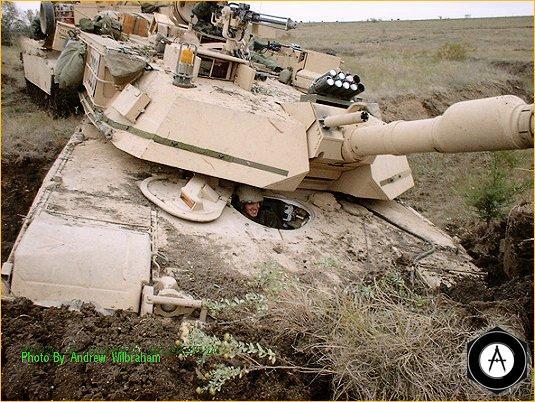 зарылся Abrams_M1A2-4