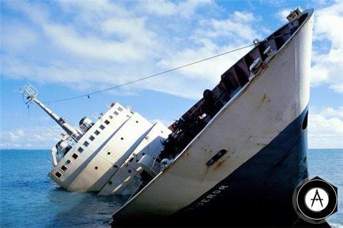бальшой пароход тонет