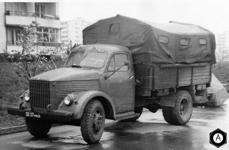 Грузовой бортовой автомобиль ГАЗ-51