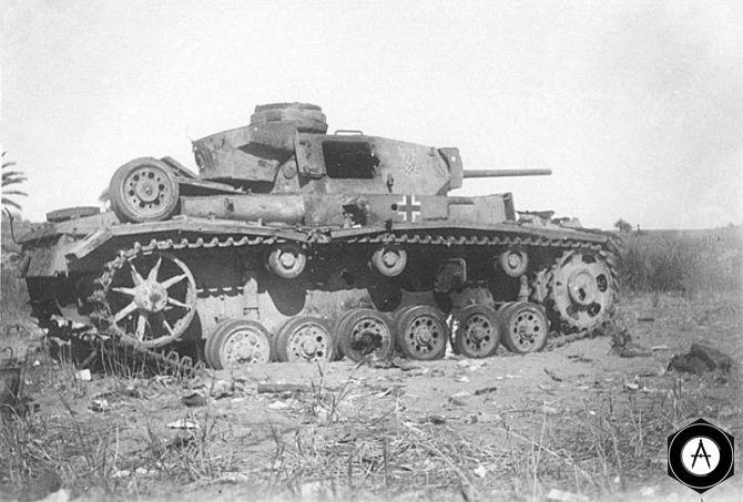 подбитый Pz III 1943