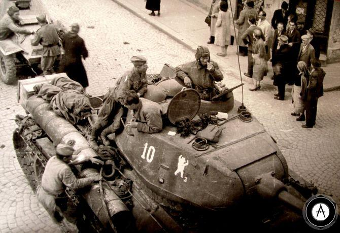Т-34-85 и БА-64 на улицах Белграда 1945