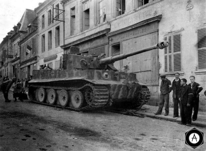 Тигр в итальянском городе 1944