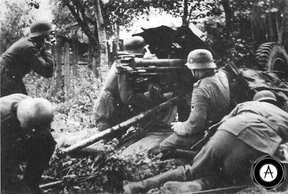50мм ПТ орудие отражает атаку советских танков