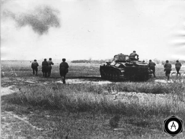 T-70 и стрелки в атаке