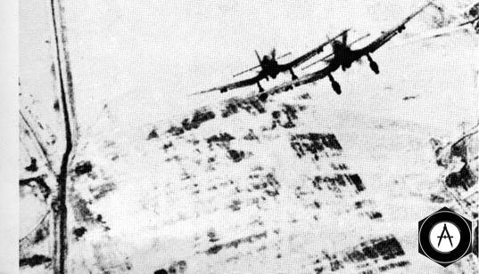 Атака вражеских Ю-87 в центральном секторе фронта