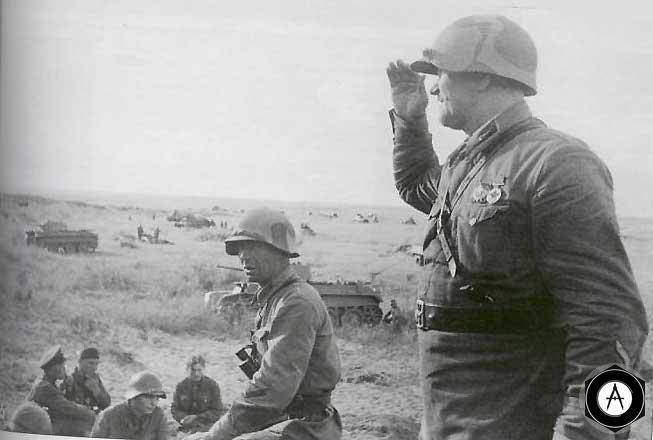 Сосредоточение танков и пехоты перед атакой японских позиций на реке Халхин-гол
