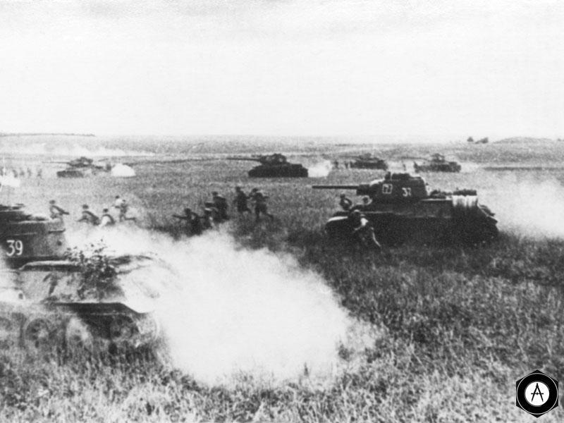 Танки Т-34 в атаке 1944г