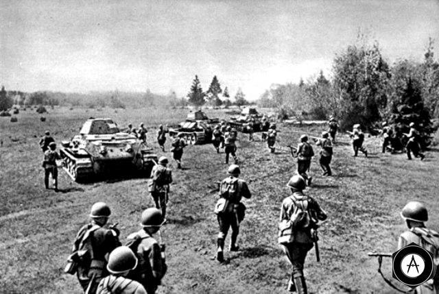 Танкова атака під час Курської битви