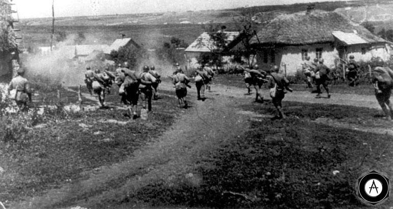 пехота входит в село Курская дуга 1943