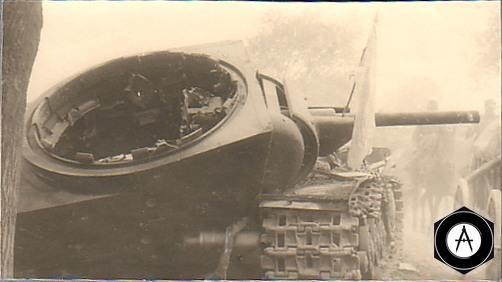 KV-1 после подрыва боекомплекта