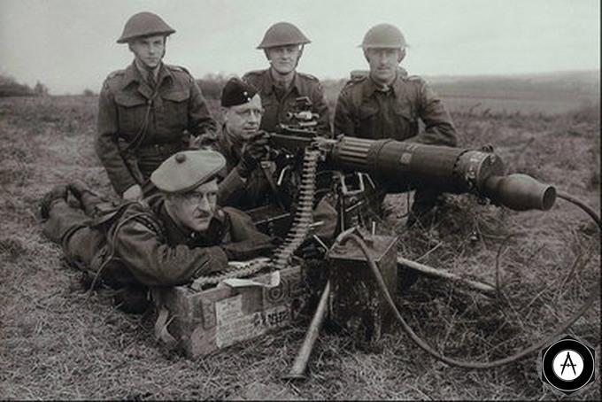 английские пулеметчики Виккерс