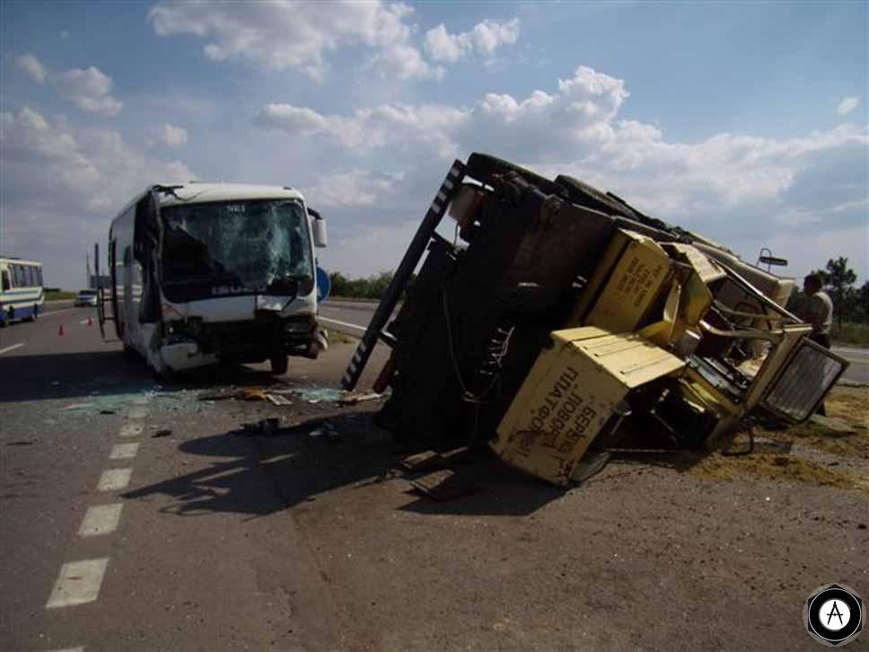 авария, автобус, автокран