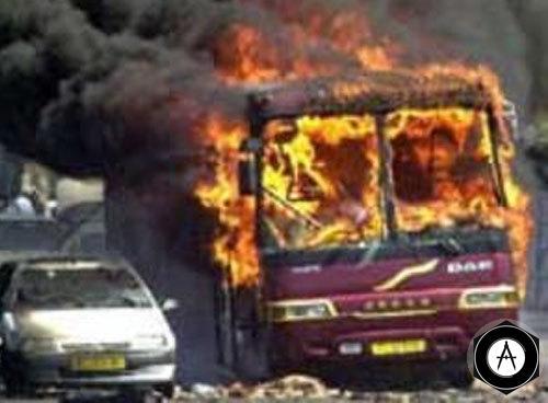 Пожар автобуса и грузовика, перевозившего 30 тыс литров  горючего