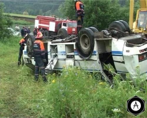 столкновения грузовика и автобуса в Ленинградской области