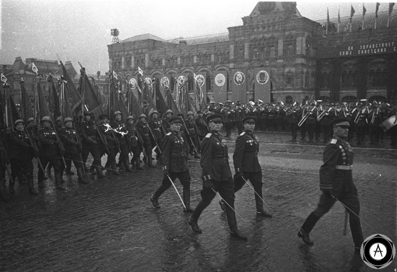 марш колонны фронта