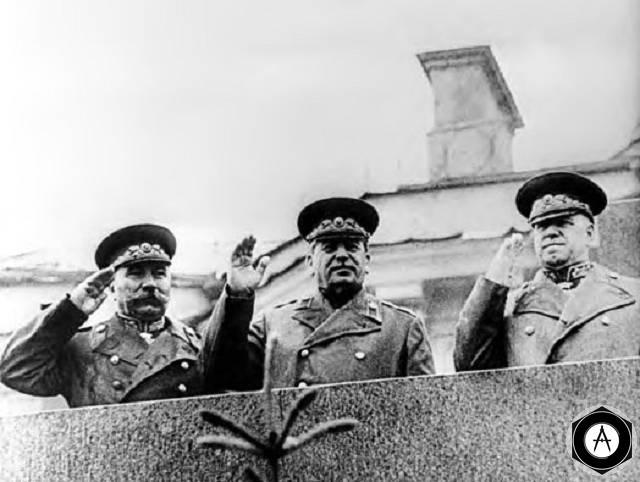 Будённый Сталин Жуков Во время Парада Победы, 24 мая 1945