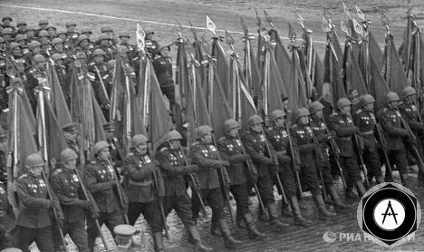 Парад Победы 1945 года знаменосцы