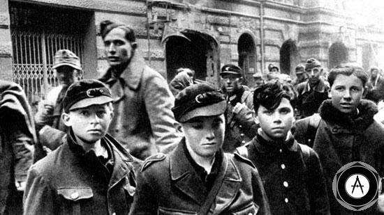 Пленные солдаты фольксштурма Берлин, май 1945