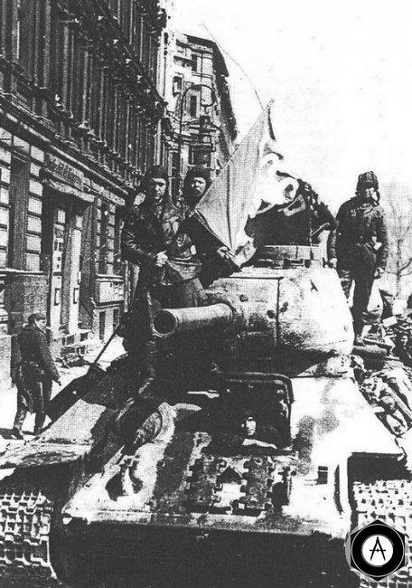 Т-34-85 и его экипаж в Берлине