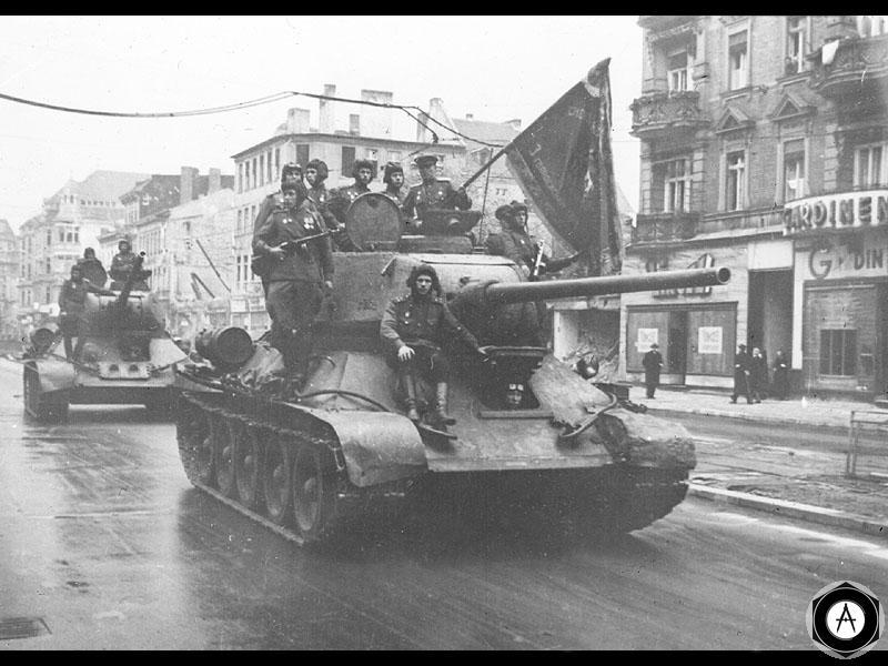 Танки 3-й гвардейской танковой армии в Берлине