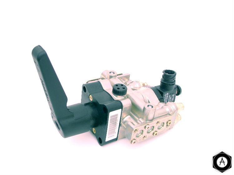 338051121 Кран управления платформой Haldex