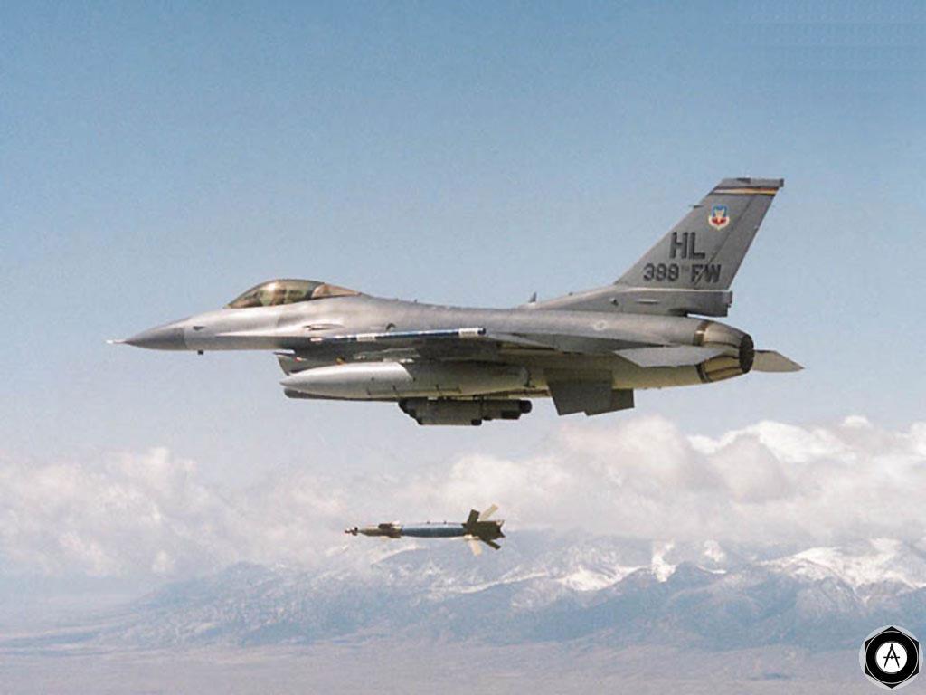 F16 запуск ракеты воздух-воздух