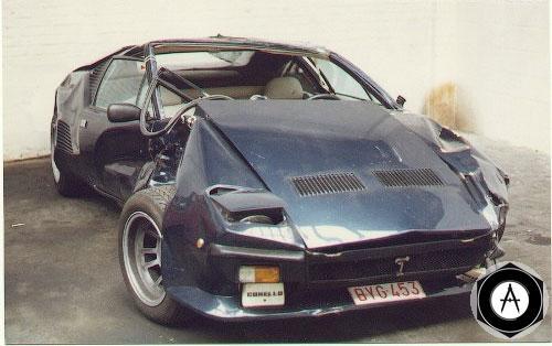 De Tomaso Pantera разбили в Антверпене  За рулем находился парковщик ресторана, который решил покататься на автомобиле пока владелец машины ужинает