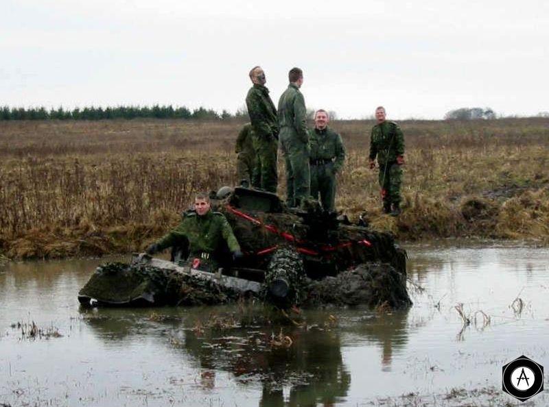 Leopard-2 вынырнул