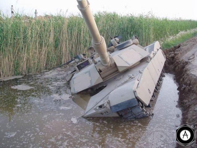 Абрамс М1А3 чуть не утонул на пути в Багдад