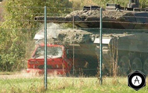 Леопард 2А5 и Ford Ecscort