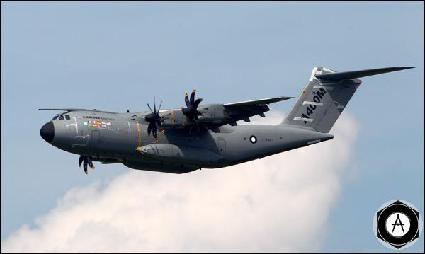 Военный транспортник Airbus A400M