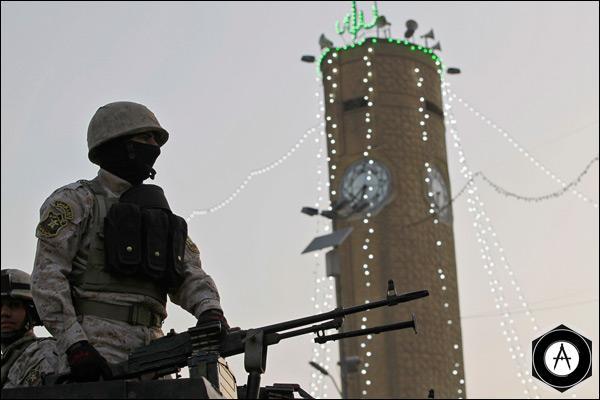 Иракский солдат патрулирует улицы Багдада