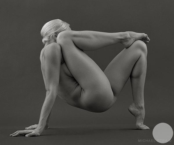 гимнастическая фотография8 парралельно сидя