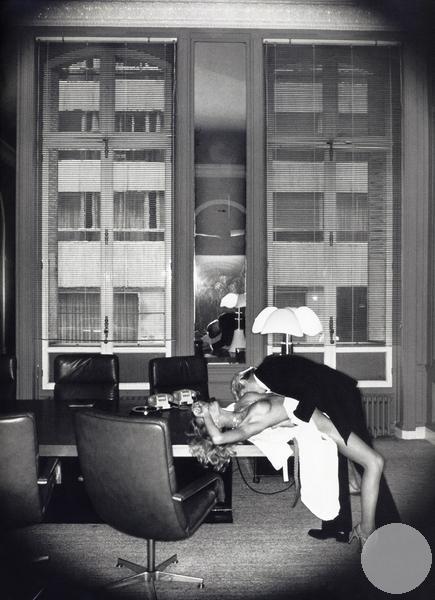 Любовь в кабинете Париж - служебный роман