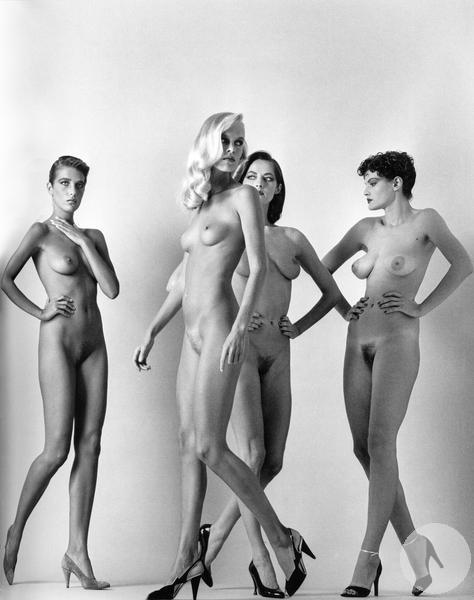 Они выходят Шагающие женщины французский Vogue Париж