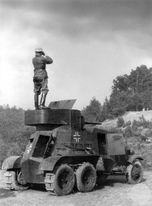 Трофейный советский бронеавтомобиль