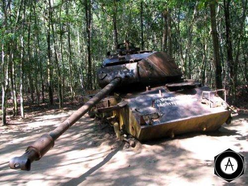 Подбитый танк М46 Фото из Вьетнама