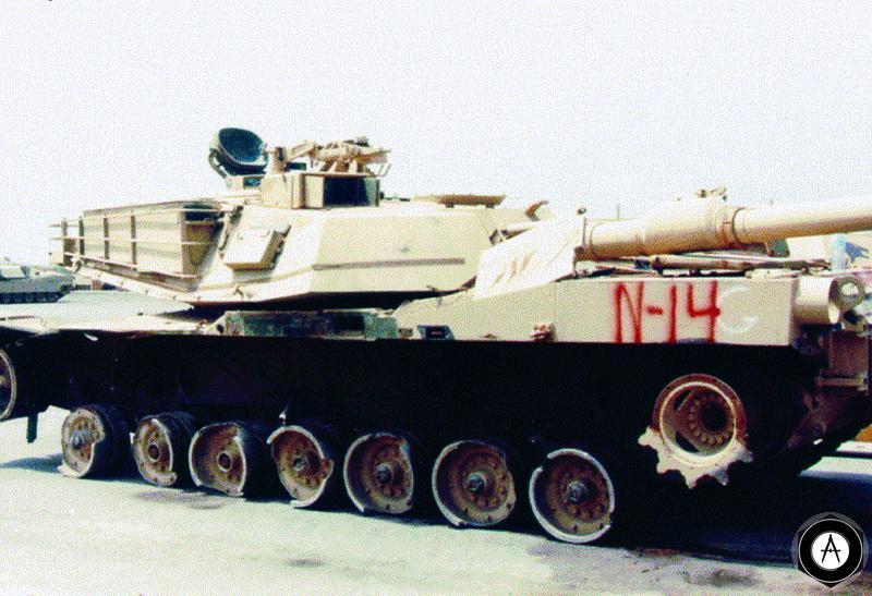 Подбитый танк М1А1