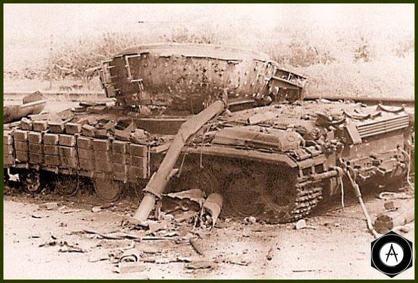 Подбитый в 1992г Т-64Б