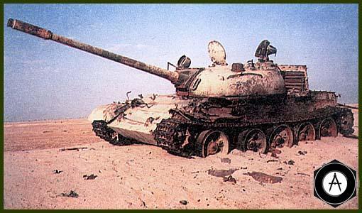 иракский танк Т-55, захваченный во время операции «Буря в пустыне» в исправном состоянии, использвался на полигоне ОАЭ в качестве мишени для ПТУР БМП-3 армии Эмиратов