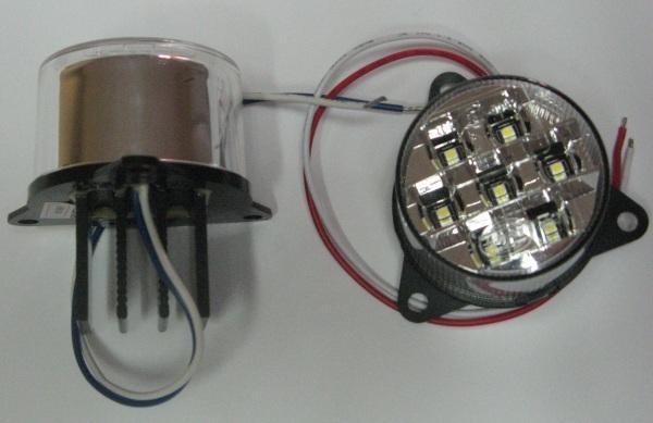 098256524 Фонарь передний круглый БЕЛЫЙ LED 12V-24