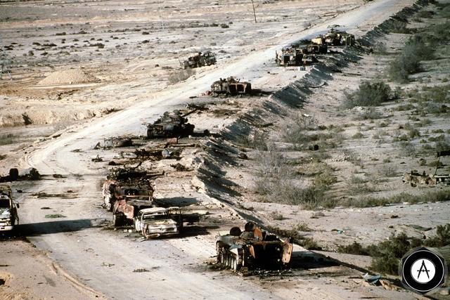 Иракская коллонна после налёта штурмовиков А10